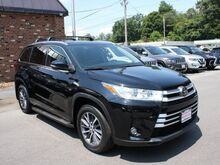 2017_Toyota_Highlander_SE_ Roanoke VA