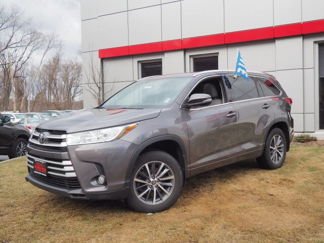2017 Toyota Highlander XLE Lexington MA