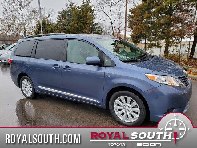 2017 Toyota Sienna LE 7 All-Wheel Drive Bloomington IN