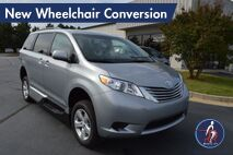 2017 Toyota Sienna LE 8-Passenger New Wheelchair Conversion Conyers GA