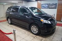 Toyota Sienna XLE NAVIGATION BACK-UP CAM MEMORY AND HEATED SEATS - REAR 2017