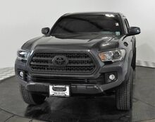 2017_Toyota_Tacoma 4X4_TRD Off Road Double Cab L/B_ Bedford TX