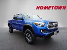 2017_Toyota_Tacoma_TRD OFF ROAD DOUBLE CAB 5_ Mount Hope WV