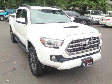 2017 Toyota Tacoma TRD Sport 4WD w/ Navi & rearCam Avenel NJ