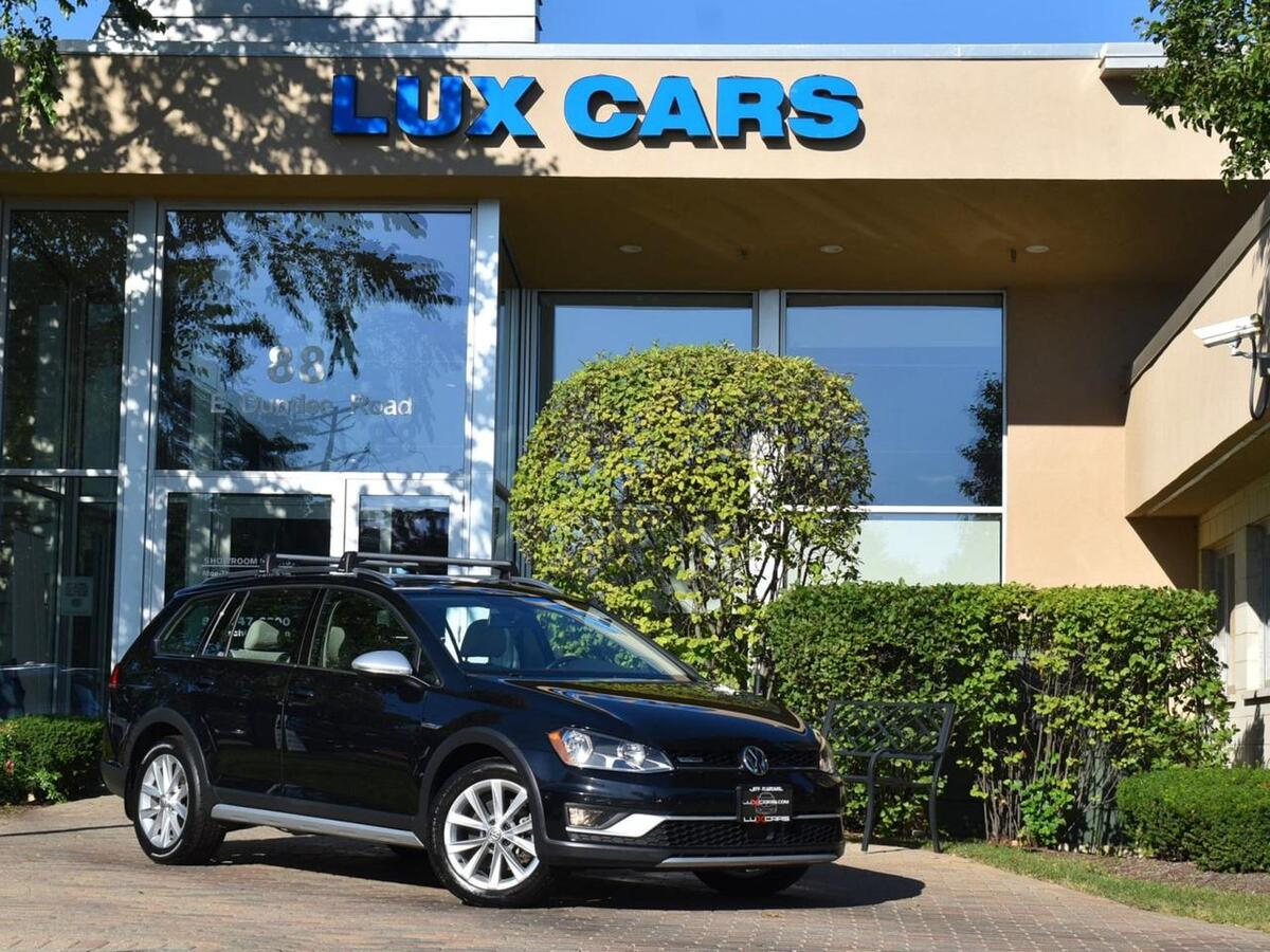 2017_Volkswagen_Golf Alltrack_SE Panoroof Adaptive Cruise Control AWD MSRP $32,770_ Buffalo Grove IL