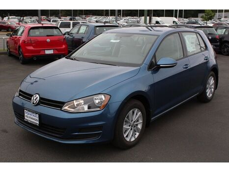 2017_Volkswagen_Golf_S_ Everett WA