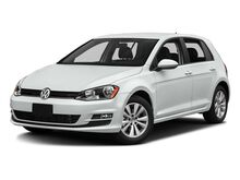 2017_Volkswagen_Golf_SE_ Corvallis OR