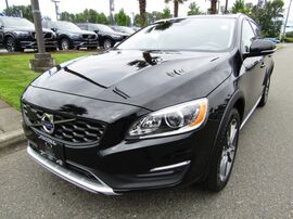 2017_Volvo_V60 Cross Country_Platinum_ Tacoma WA