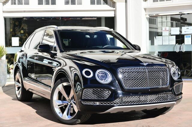 2018 Bentley Bentayga Signature Signature Lawrence KS