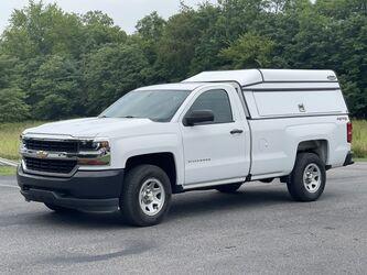 Chevrolet Silverado 4x4 8' Bed w Cap 2018