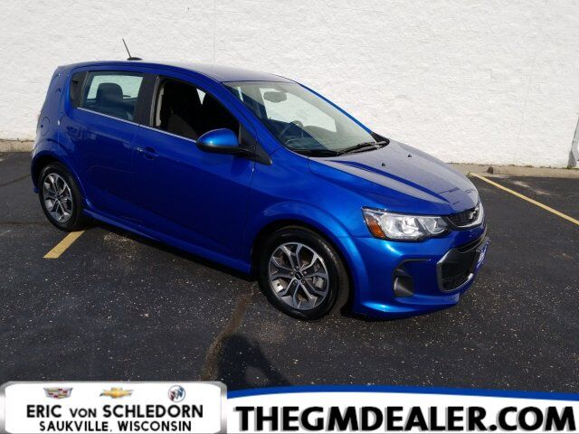 2018 Chevrolet Sonic LT RS HB ConveniencePkg w/PushButtonStart HtdCloth MyLink RearCamera Milwaukee WI