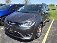 2018_Chrysler_Pacifica Hybrid_Limited_ Milwaukee and Slinger WI