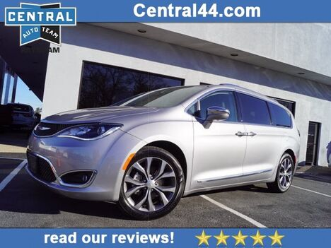 2018_Chrysler_Pacifica_Limited_ Raynham MA