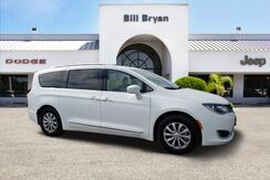 2018_Chrysler_Pacifica_TOURING L FWD_ Leesburg FL