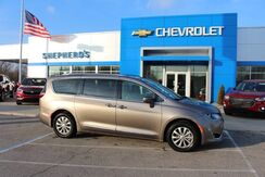 2018_Chrysler_Pacifica_Touring L_ Rochester IN
