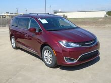 2018_Chrysler_Pacifica_Touring-L_ Colby KS