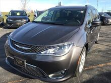 2018_Chrysler_Pacifica_Touring L Plus_ Milwaukee and Slinger WI
