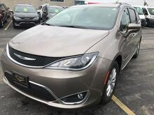 2018_Chrysler_Pacifica_Touring L_ Milwaukee and Slinger WI