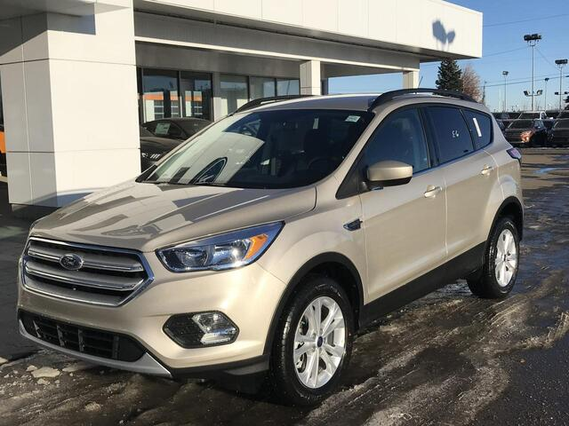 2018_Ford_Escape_SE 4WD ECOBOOST ENGINE_ Edmonton AB