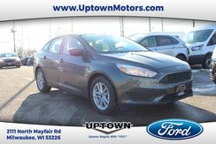 2018_Ford_Focus_SE_ Milwaukee and Slinger WI