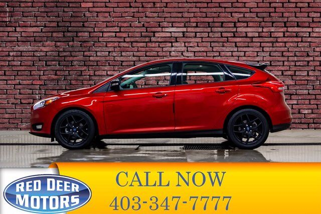 2018 Ford Focus SEL Htachback Nav Roof BCam Red Deer AB