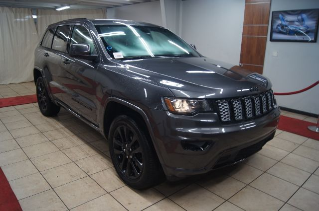 2018 Jeep Grand Cherokee LATITUDE WITH NAVIGATION AND HEATED SEATS Charlotte NC