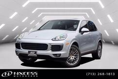 2018_Porsche_Cayenne_Platinum Edition Panoramic Blind Spot Navigation Warranty._ Houston TX