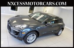 2018_Porsche_Macan_NAVIGATION BACK-UP CAM HEATED SEATS 1-OWNER._ Houston TX