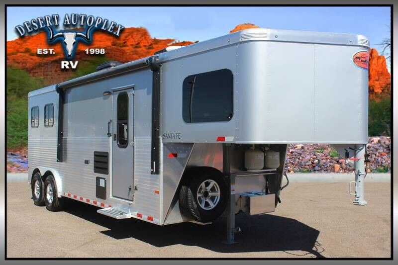 2018 Sundowner Santa Fe 8009 Horse Trailer With Living