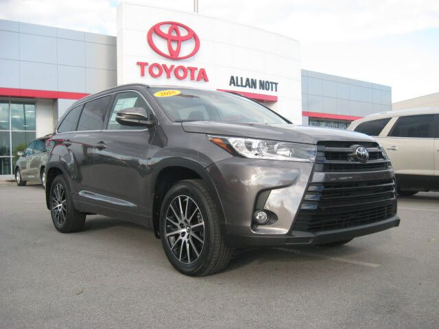 2018 toyota highlander awd se v6 w navigation lima oh 20866083. Black Bedroom Furniture Sets. Home Design Ideas