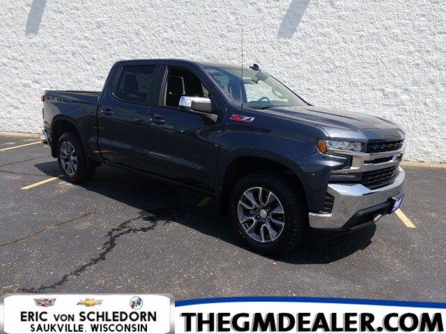 2019 Chevrolet Silverado 1500 LT Z71 Crew Cab 4WD All-Star Convenience BedProtectPkgs w/20s HtdCloth MyLink RearCamera Milwaukee WI