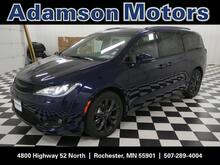 2019_Chrysler_Pacifica_Limited_ Rochester MN