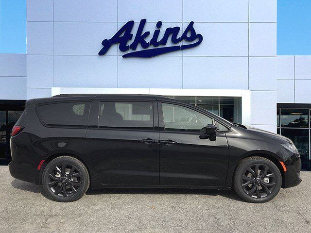 2019 Chrysler Pacifica Touring L Plus Winder GA