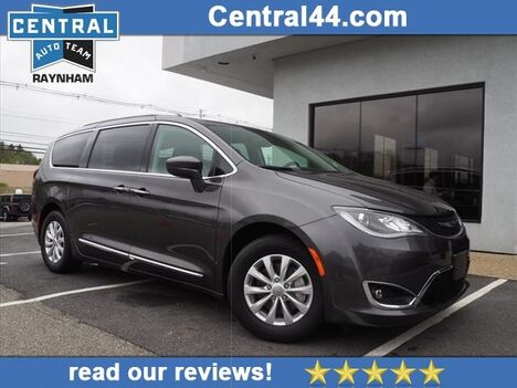 2019_Chrysler_Pacifica_Touring L_ Raynham MA