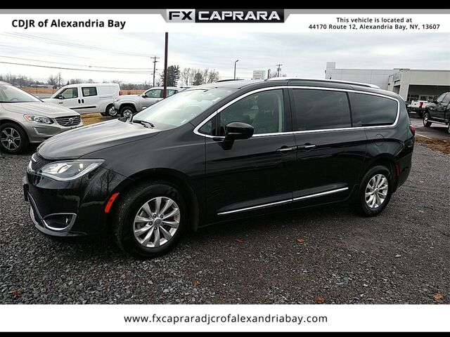 2019 Chrysler Pacifica Touring L Watertown NY