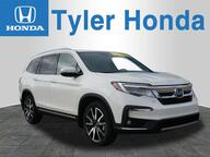 2019 Honda Pilot Touring w/Rear Captains Chairs Stevensville MI