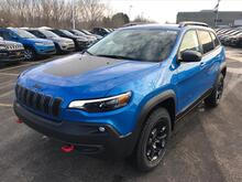 2019_Jeep_Cherokee_Trailhawk_ Milwaukee and Slinger WI