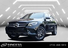 2019_Mercedes-Benz_GLC_GLC 300 Sport Package Blind Spot Panorama Smart Phone._ Houston TX