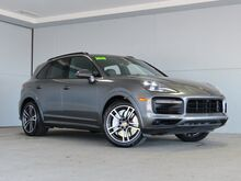 2019_Porsche_Cayenne_Turbo_ Kansas City KS