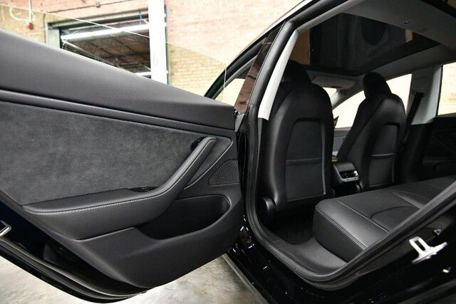 2019 Tesla Model 3 Standard Rang Plus-AUTOPILOT ENABLED SUBZERO PACKAGE BLACK LEATHER PANO ROOF BACKUP CAMERA Bensenville IL