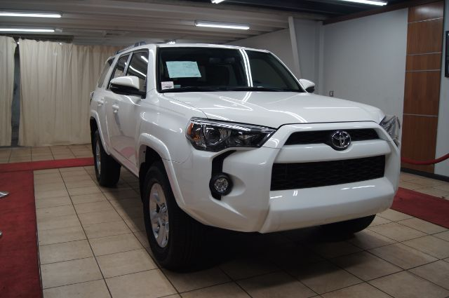 2019 Toyota 4Runner SR5 PREMIUM AWD WITH NAVIGATION AND SUN ROOF Charlotte NC