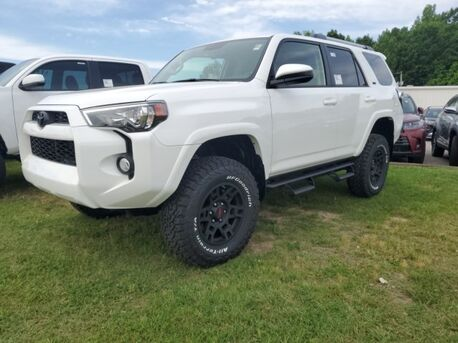 2019_Toyota_4Runner_SR5_ Paris TN