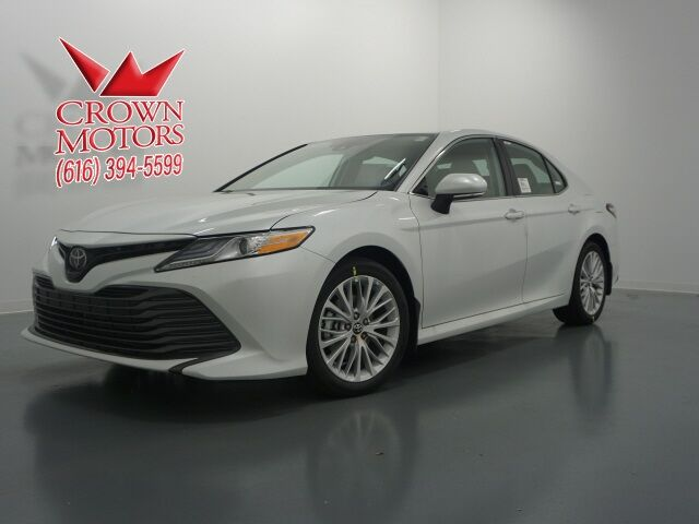Crown Motors Holland Mi >> 2019 Toyota Camry Xle