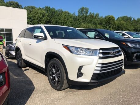 2019_Toyota_Highlander_LE_ Paris TN