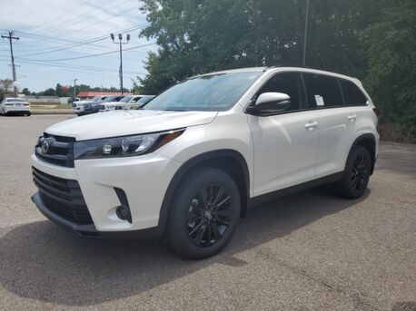 2019_Toyota_Highlander_SE_ Paris TN