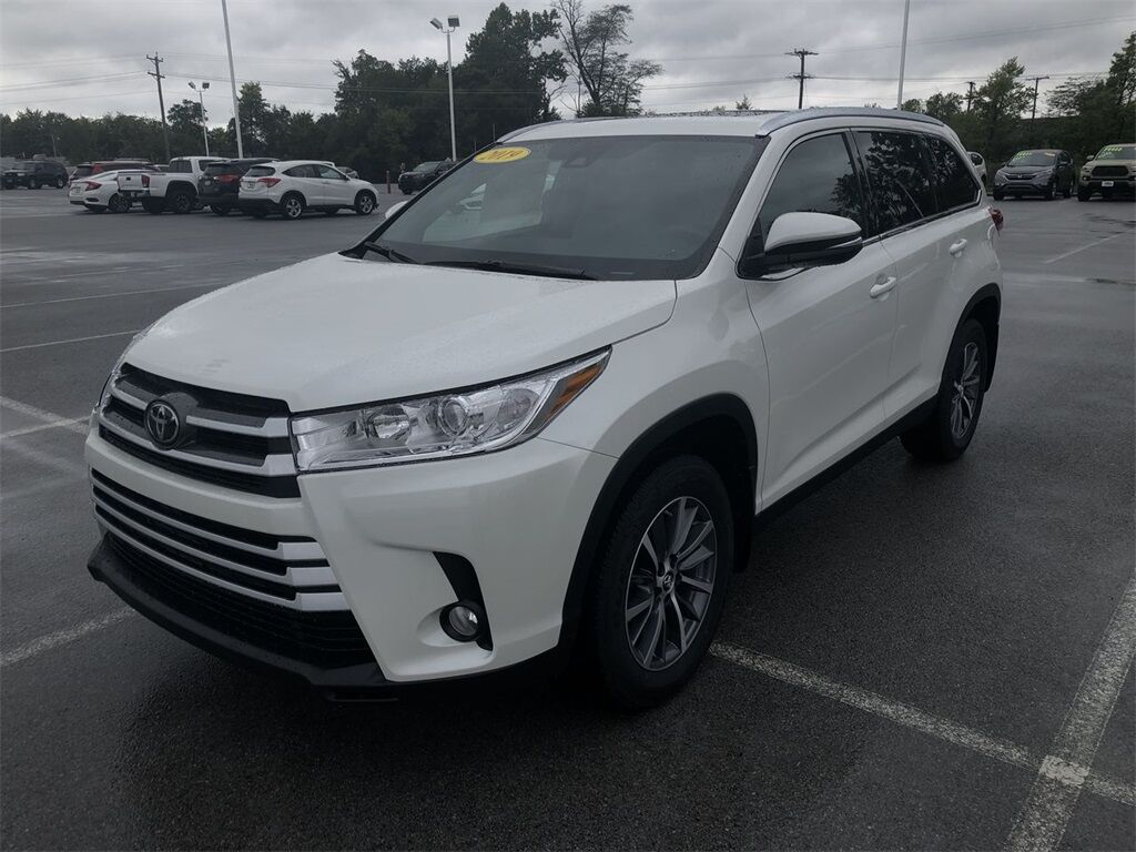 vehicle details 2019 toyota highlander at allan nott honda lima allan nott. Black Bedroom Furniture Sets. Home Design Ideas
