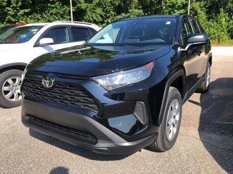 2019_Toyota_RAV4_LE_ Paris TN