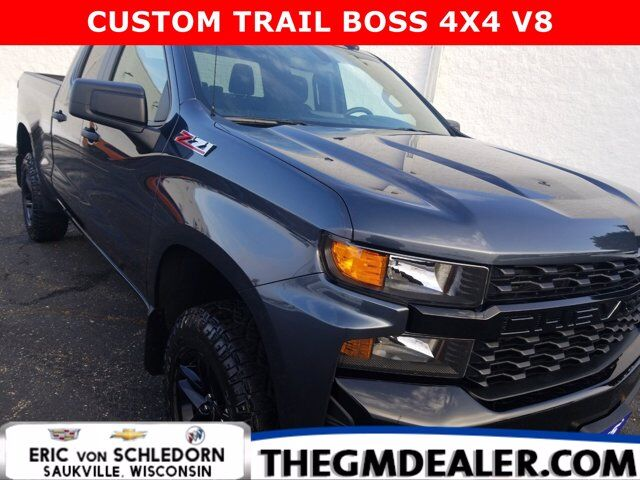 2020 Chevrolet Silverado 1500 Custom Trail Boss Double Cab 4WD DarkEssentials CustomConv InfotainmentPkgs w/18sBlackWheels Milwaukee WI