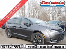 2020_Chrysler_Pacifica_Red S_  PA