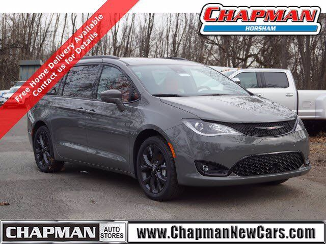 2020 Chrysler Pacifica Red S  PA